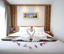 Expat Hotel Patong Center is located at Patong Center