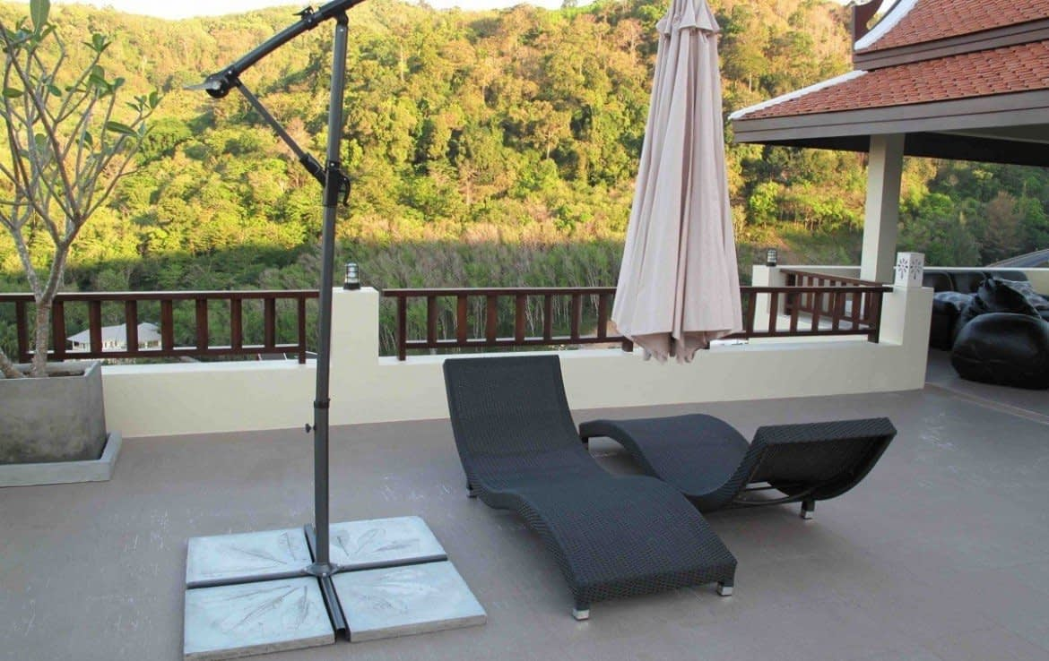 5 bedroom / 5 bathroom Villa in Kamala is available for sale, or re-sale.