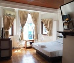 Relax Guesthouse is located at 143/24-25 Rat-U-Thit 200 Pee Rd