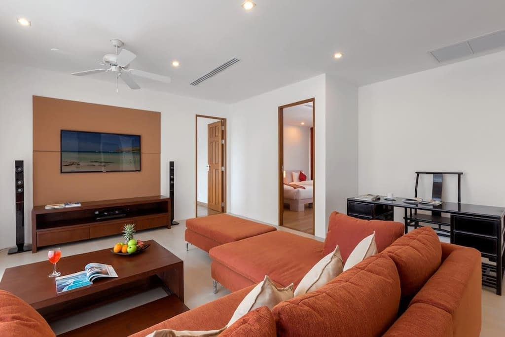 4 bedroom / 4 bathroom Apartment in Kamala is for sale, or re-sale.