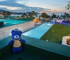 BearPacker Patong Hostel is located at 162/3 Thaweewong Road
