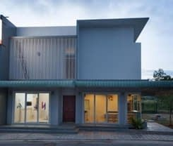 Lin House is located at 115/3 Soi Kokkham 2
