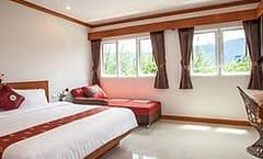 Chollada Inn Kamala is located at 10/68-69 Moo 6 on Phuket in Thailand. Chollada Inn Kamala has a guest rating of 6.1 and has Hotel amenities including: Concierge service
