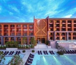 MGallery - Avista Grande Phuket Karon is located at 38 Soi Luang Phor Chuan Soi 1 District Mueang on Phuket island in Thailand. MGallery - Avista Grande Phuket Karon has a guest rating of 8.9 and has Hotel amenities including: Swimming Pool