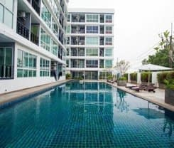 Rang Hill Residence is located at 24 Mae-Laun Road