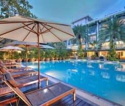 Andaman Beach Suites Hotel is located at 60/12 Rat Uthit Song Roi Pee Rd.
